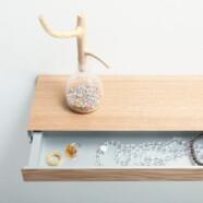 Minimalistyczna półka