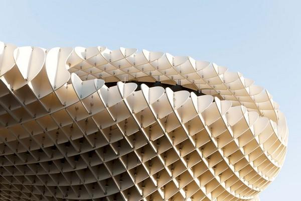 Najwieksza-struktura-z-drewna-09
