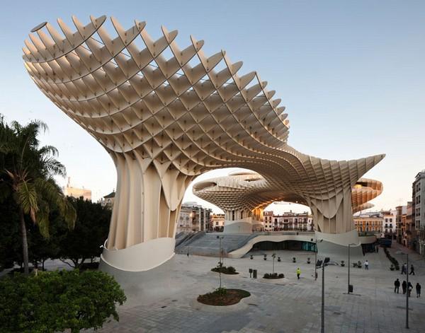 Najwieksza-struktura-z-drewna-17