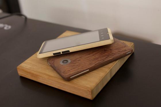 bambusowy-telefon-04